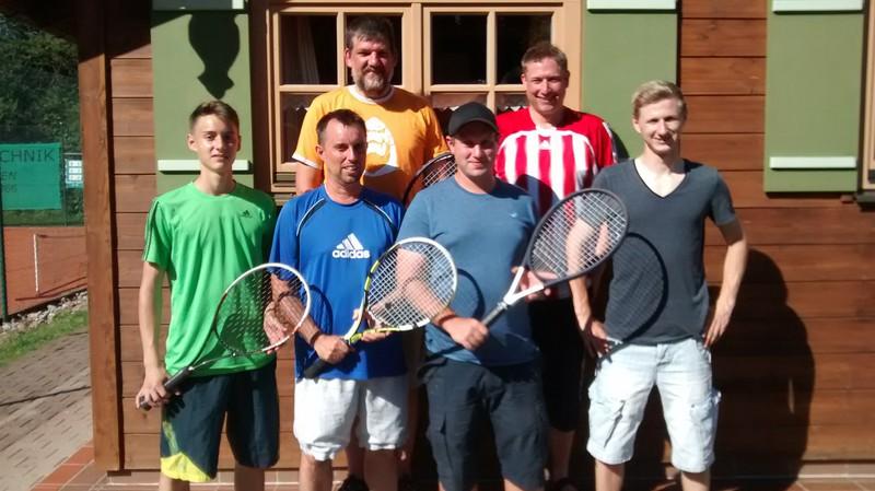 v. links hinten: Wallner Ralf, Neuhaus Christian, Unterrainer Josef jun. , Unterrainer Josef sen. , Hell Mathias, Huber Max